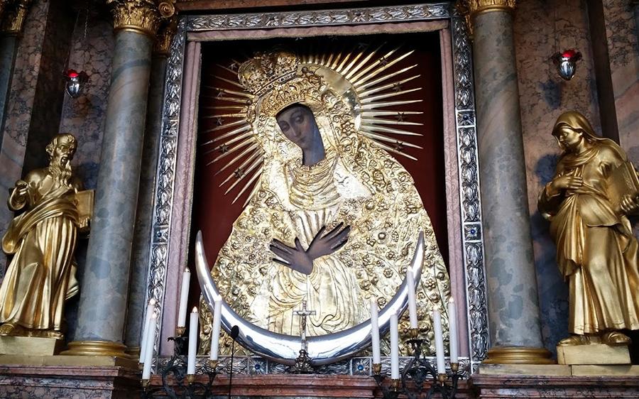Реліквія всіх християн - перекази і факти про Остробрамську ікону a7237e81c7545